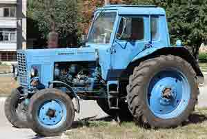 картинка трактора мтз80